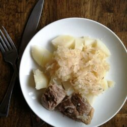 Sauerkraut and Spareribs (Recipe Swap: What's in Your Crockpot?)