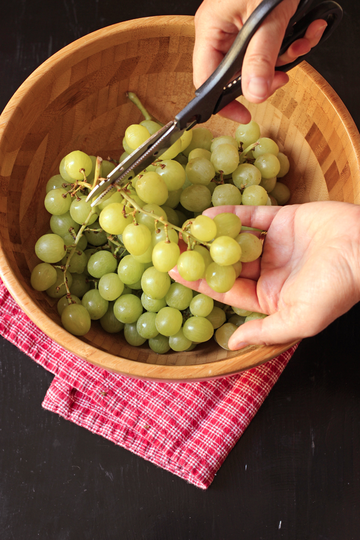 Prepping Grapes for Easy Serving | Life as Mom