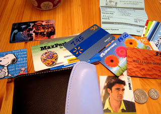 Frugal Tip: Organize Your Wallet to Save Money