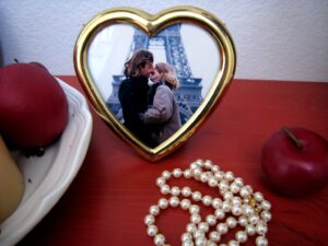 paris heart frame