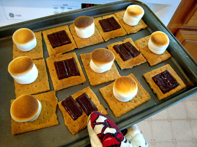 How to Make S'mores Indoors | Easy Oven S'mores
