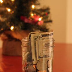 5 Ways to Save on Christmas Expenses