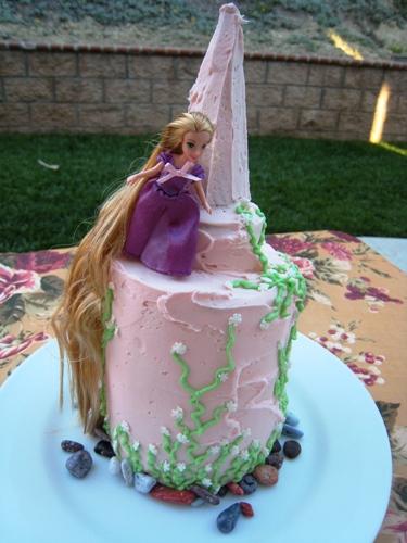 Tangled Cake 10
