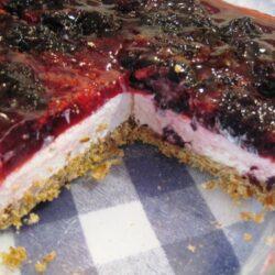 FishFave: Pretzel Berry Dessert