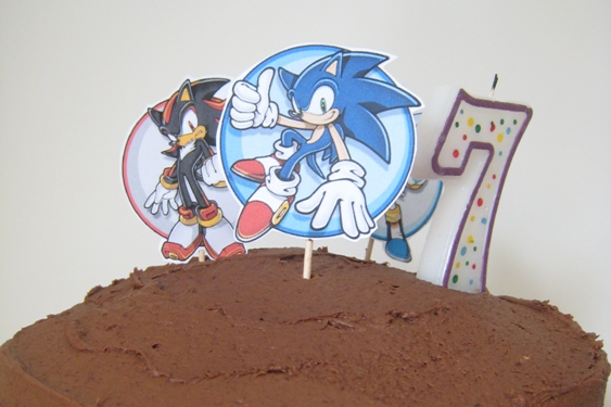 Two Easy Fun Themed Birthday Cakes For Kids