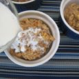 apple oat cakes with cream