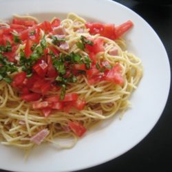 Creamy Noodles with Ham and Tomatoes (URS: Chef's Choice)