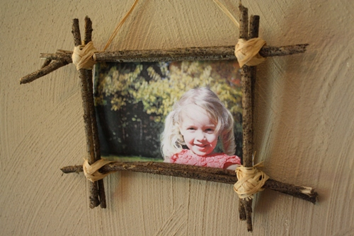 Make A Nature Frame for Your Fall Photos