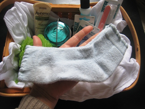 DIY on a Dime: Be Kind to Hands and Feet Kit