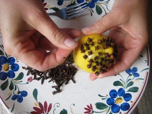 DIY on a Dime: Make a Citrus Pomander