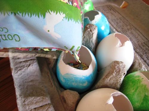 filling eggs with confetti