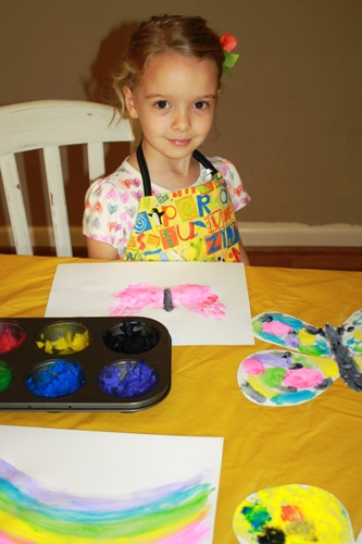 Spring Crafts for Kids - Spring calls for bright colors and a little carefree play. Check out these fun crafts to do with kids.