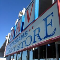 10 Tips for Shopping at Thrift Stores