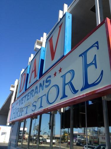thrift store 4