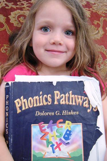kindergarten girl with phonics pathways