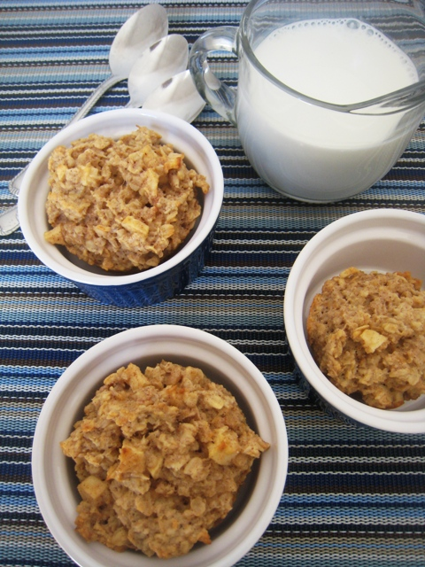 Apple Cinnamon Oat Cakes