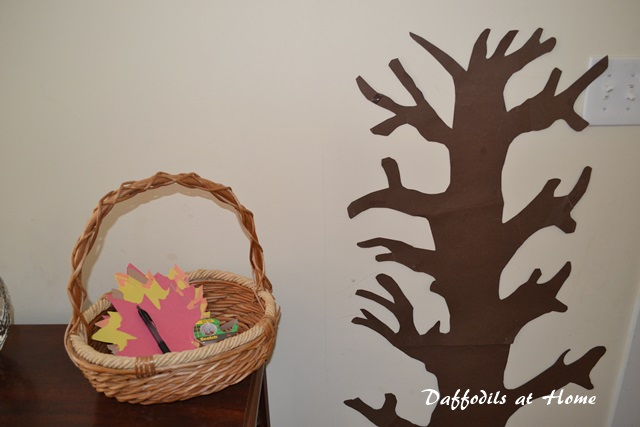 Make a Thanksgiving Tree (Falling for Fun) | Life as MOM