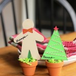 Cute Place Cards for Christmas - These place cards are quick and easy to make, a perfect project for kids to do to decorate the holiday table.
