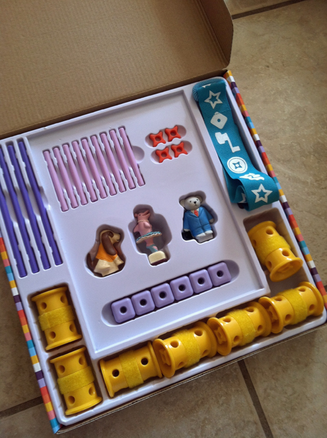 Girls Get Building with GoldieBlox | Life as MOM