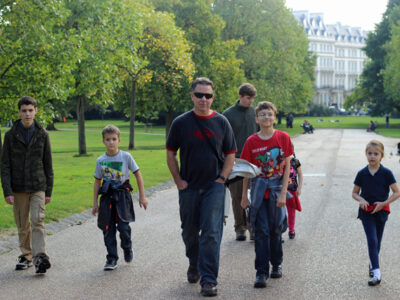 london walk to kensington trim