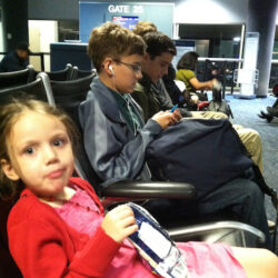 5 Holiday Travel Tips for Families