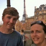 eiffel tower mom and n