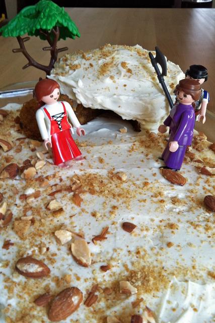 tomb cake with marys