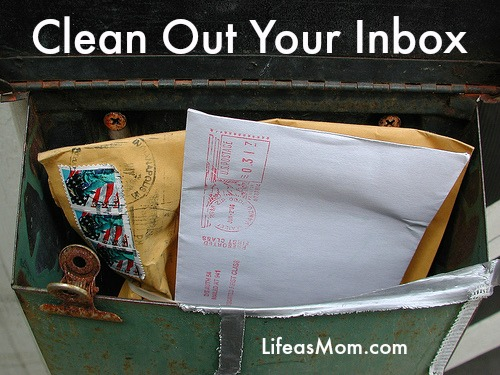 How to Organize Your Email | Tips from LifeasMom.com