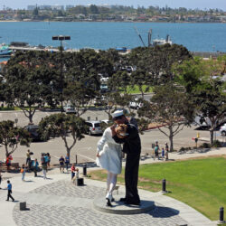 san-diego-kissing-statue-shot-from-midway