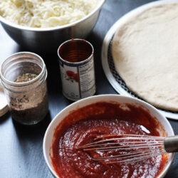 homemade-pizza-with-last-minute-pizza-sauce-gce