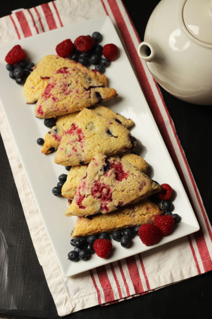 spirit this week with these AMAZING, Red, White, and Blue Scones ...